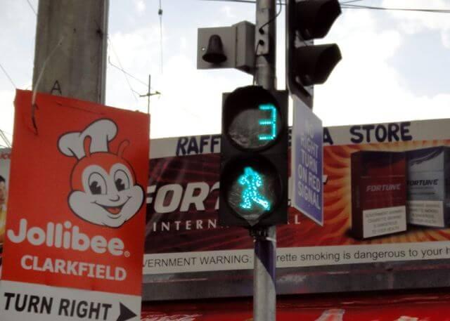 フィリピンには信号が無い