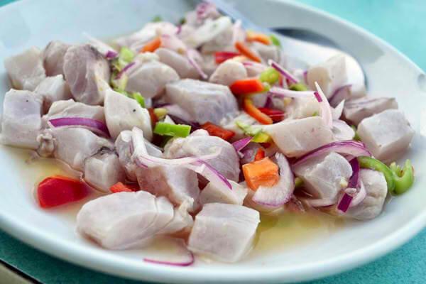 フィリピン料理キニラウ