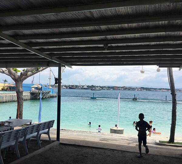 サマール島のビーチ
