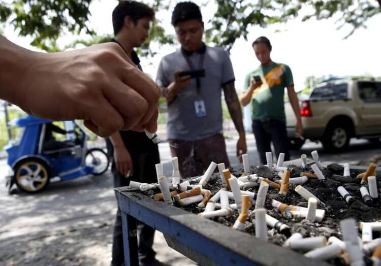 喫煙ルール:公共の場と飲食店では全面禁煙