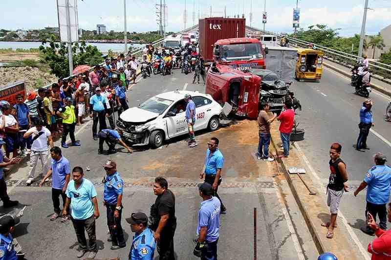 交通事故に遭ったらどうする?